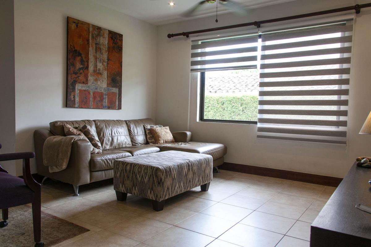 Foto Casa en condominio en Venta   Renta en  Santana,  Santa Ana  Lindora/  1 planta/ Jardín/ Línea blanca/ Alquiler con opción de compra/ Exclusividad