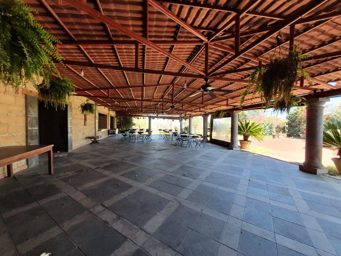 Foto Local en Renta en  Cumbres de Conín Tercera Sección,  El Marqués   RENTA RESTAURANTE  EN COL. CUMBRES DE CONIN , EL MARQUES QRO. MEX.