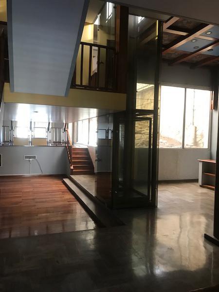 Foto Casa en Venta en  Liniers ,  Capital Federal  Carhue entre Patrón y Av Emilio Castro