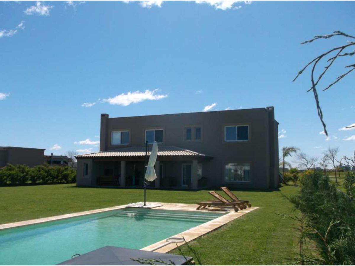 Foto Casa en Alquiler en  El Golf,  Nordelta  Golf al 900