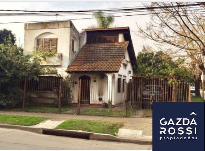 Foto Casa en Venta en  Adrogue,  Almirante Brown  QUINTANA 1095