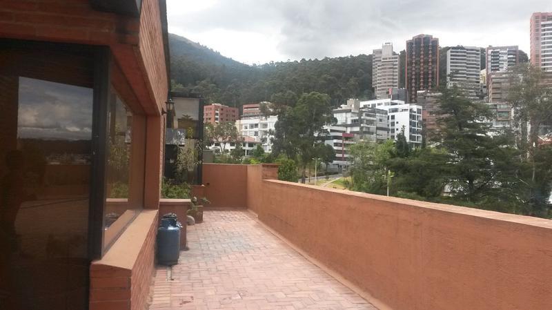 Foto Departamento en Alquiler en  Norte de Quito,  Quito  SUPER COMODO PENTHOUSE QUITO TENIS , TERRAZA 180 MTS, 4 DORM. , 3 PARQ