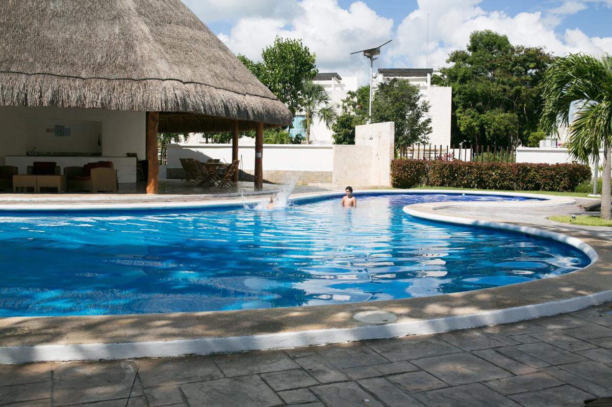 Foto Casa en Venta en  Solidaridad ,  Quintana Roo  casa en playa del carmen residencial bali