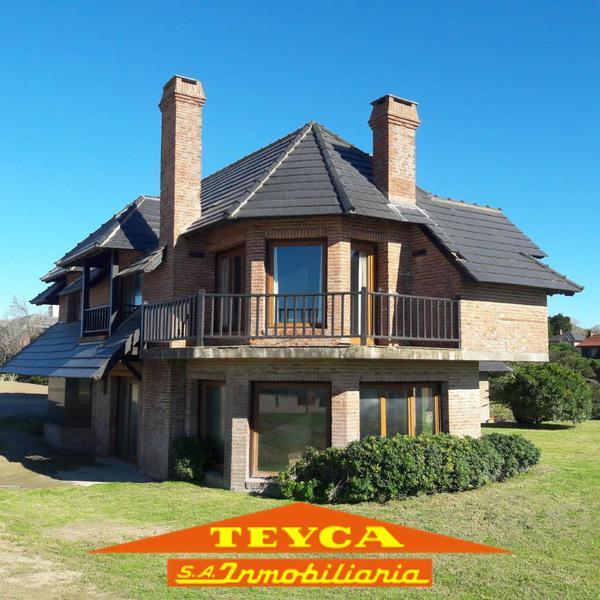 Foto Casa en Venta en  Pinamar ,  Costa Atlantica  DE LAS Burriquetas 4093