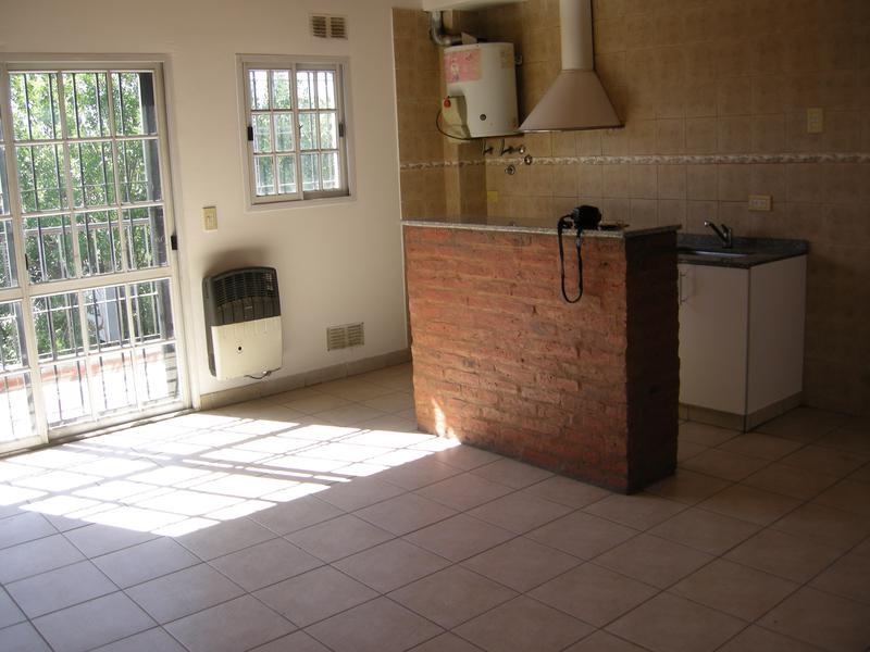 Foto Departamento en Alquiler en  Esc.-Centro,  Belen De Escobar  Avda San Martin 47  2° D