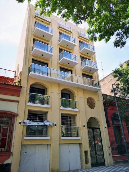 Foto Departamento en Venta en  Constitución ,  Capital Federal  AV BRASIL al 1500