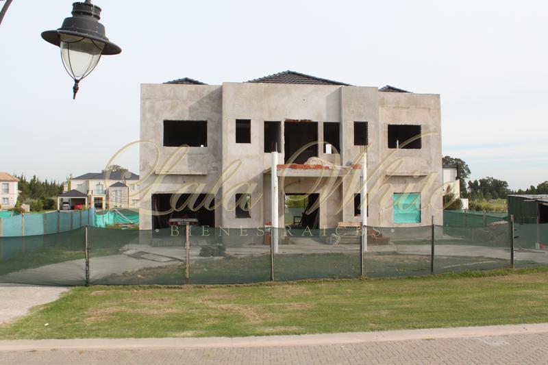 Foto Casa en Venta en  La Providencia,  Countries/B.Cerrado (Ezeiza)  Venta - Casa en construcción en La Providencia