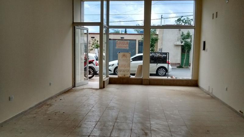 Foto Local en Alquiler en  Rivadavia ,  San Juan  Paso de los Andes casi Central