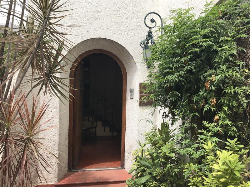 Foto Casa en Alquiler en  Lomas de Zamora Oeste,  Lomas De Zamora  BOEDO 158