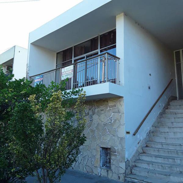 Foto Casa en Alquiler en  Área Centro Este ,  Capital  Sargento Cabral  al 200