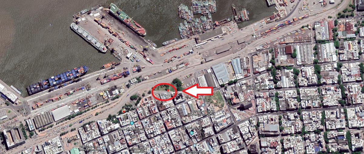 Foto Terreno en Venta en  Ciudad Vieja ,  Montevideo  Calle 25 de Agosto 620/622/624
