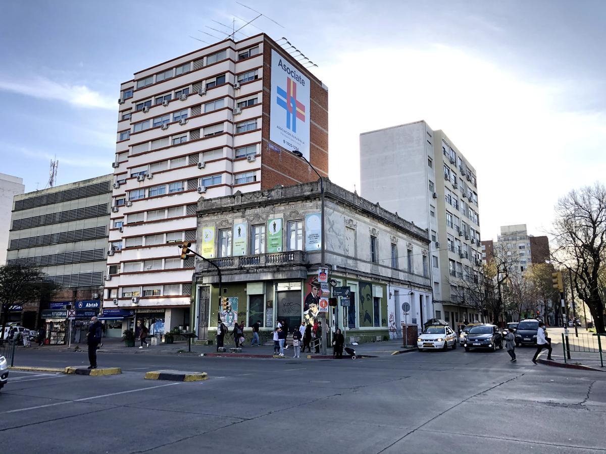Foto Casa en Alquiler en  Tres Cruces ,  Montevideo  Av. 8 de Octubre y Presidente Berro