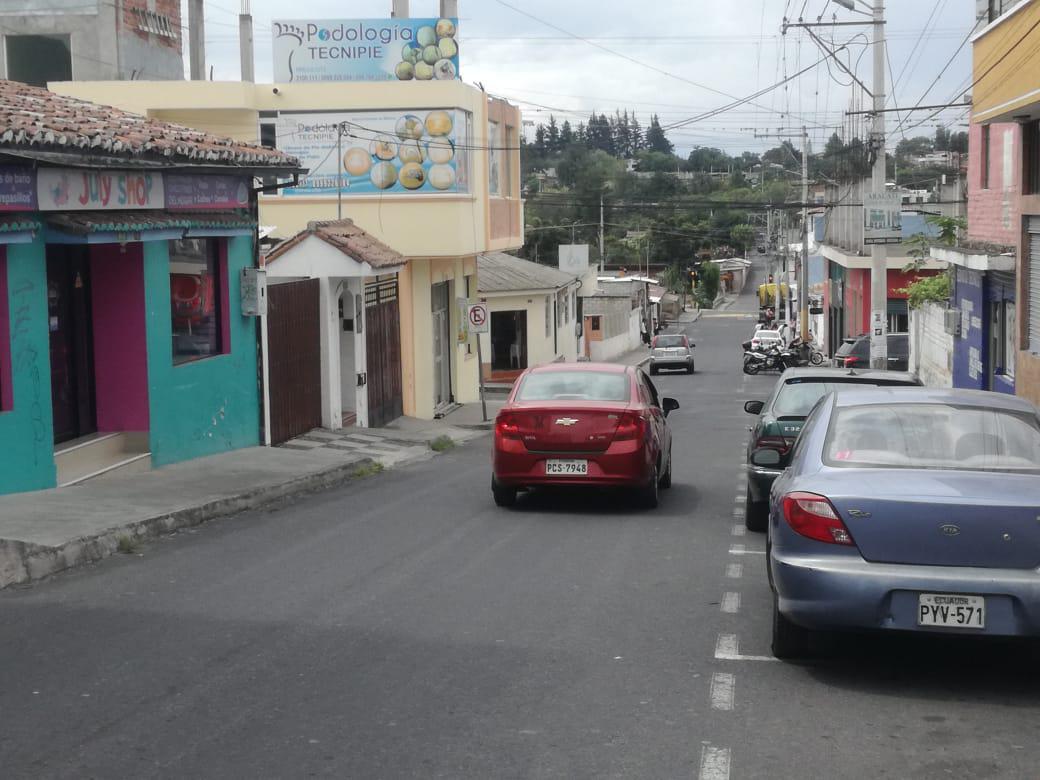 Foto Terreno en Alquiler en  Tumbaco,  Quito  TERRENO DE ARRIENDO EN EL PARQUE DE TUMBACO