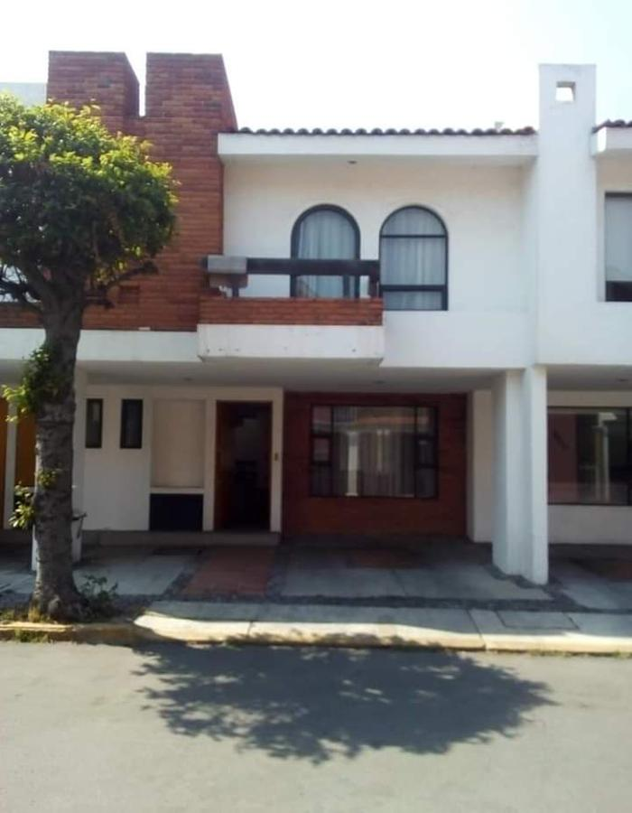 Foto Casa en condominio en Renta en  Toluca ,  Edo. de México  Casa en RENTA SEMIAMUEBLADA,Residencial San Jorge, Toluca, Estado de México