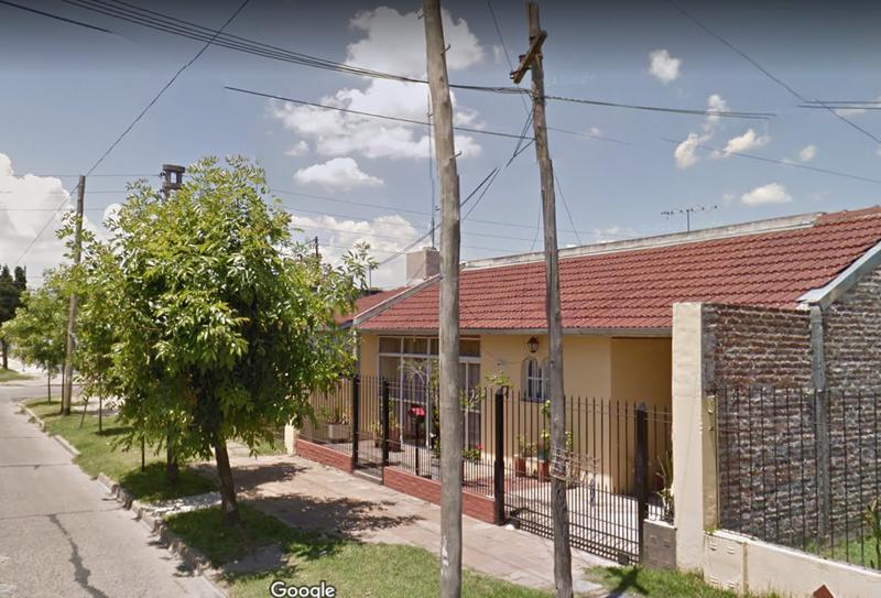 Foto Casa en Venta en  Monte Grande,  Esteban Echeverria  Liniers al 500