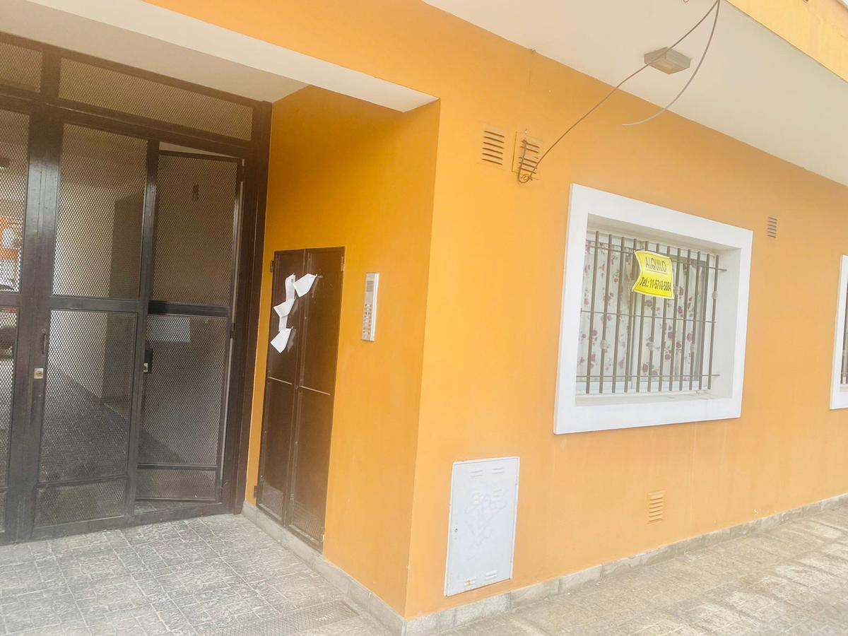 Foto Departamento en Alquiler en  San Miguel,  San Miguel  Mendoza al 2000