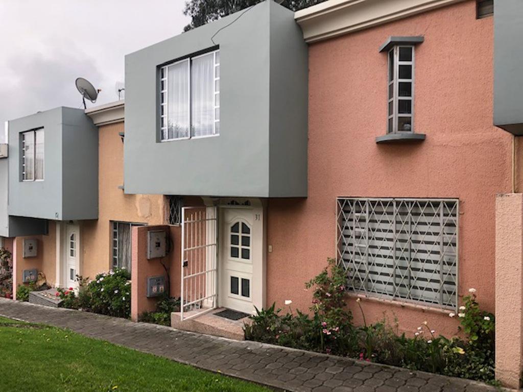 Foto Casa en Venta en  Norte de Quito,  Quito   Legarda casa