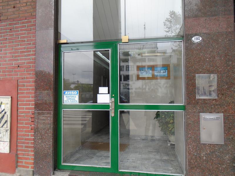 Foto Departamento en Venta | Alquiler en  San Telmo ,  Capital Federal  Paseo Colon al 1100