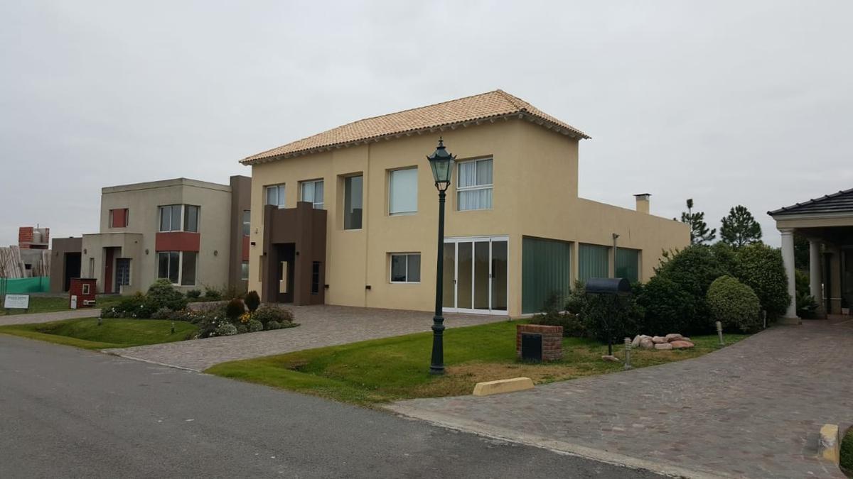 Foto Casa en Venta en  Cañuelas Suburbano,  Cañuelas  LAS CAÑUELAS CLUB DE CAMPO