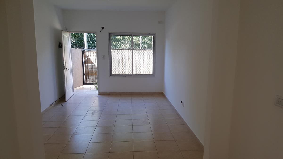 Foto Departamento en Alquiler en  Centro (Moreno),  Moreno  españa al 900