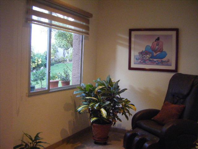 Foto Casa en Venta en  Tumbaco,  Quito  Venta de casa en urbanización cerrada ,hermoso Jardín.