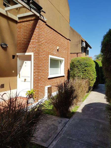 Foto Casa en Venta en  Ituzaingó ,  G.B.A. Zona Oeste  José María Paz esquina Colonia