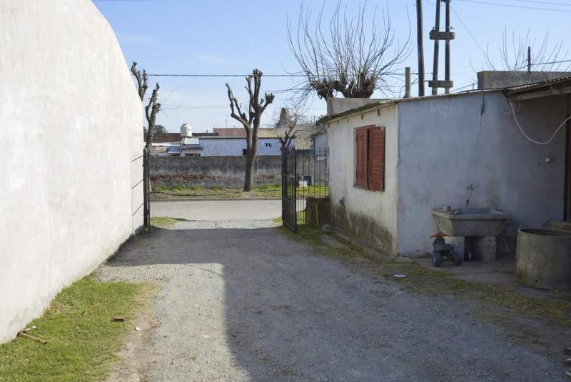 Foto Casa en Venta en  General Belgrano,  General Belgrano  Hipólito Yrigoyen y Vicente López 5