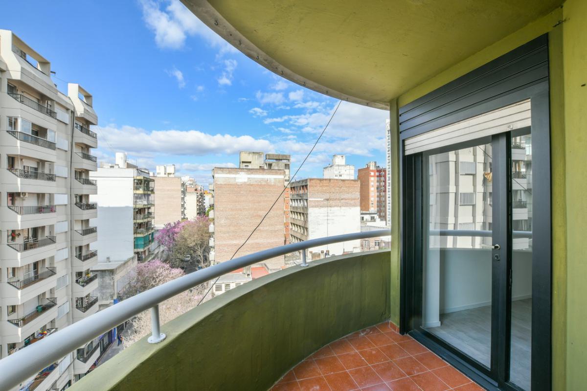 Venta Departamento 2 dormitorios reciclado a nuevo Zeballos y Corrientes - Moderno
