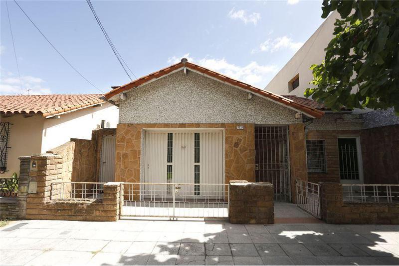 Foto Casa en Venta en  Mataderos ,  Capital Federal  Molina 1700