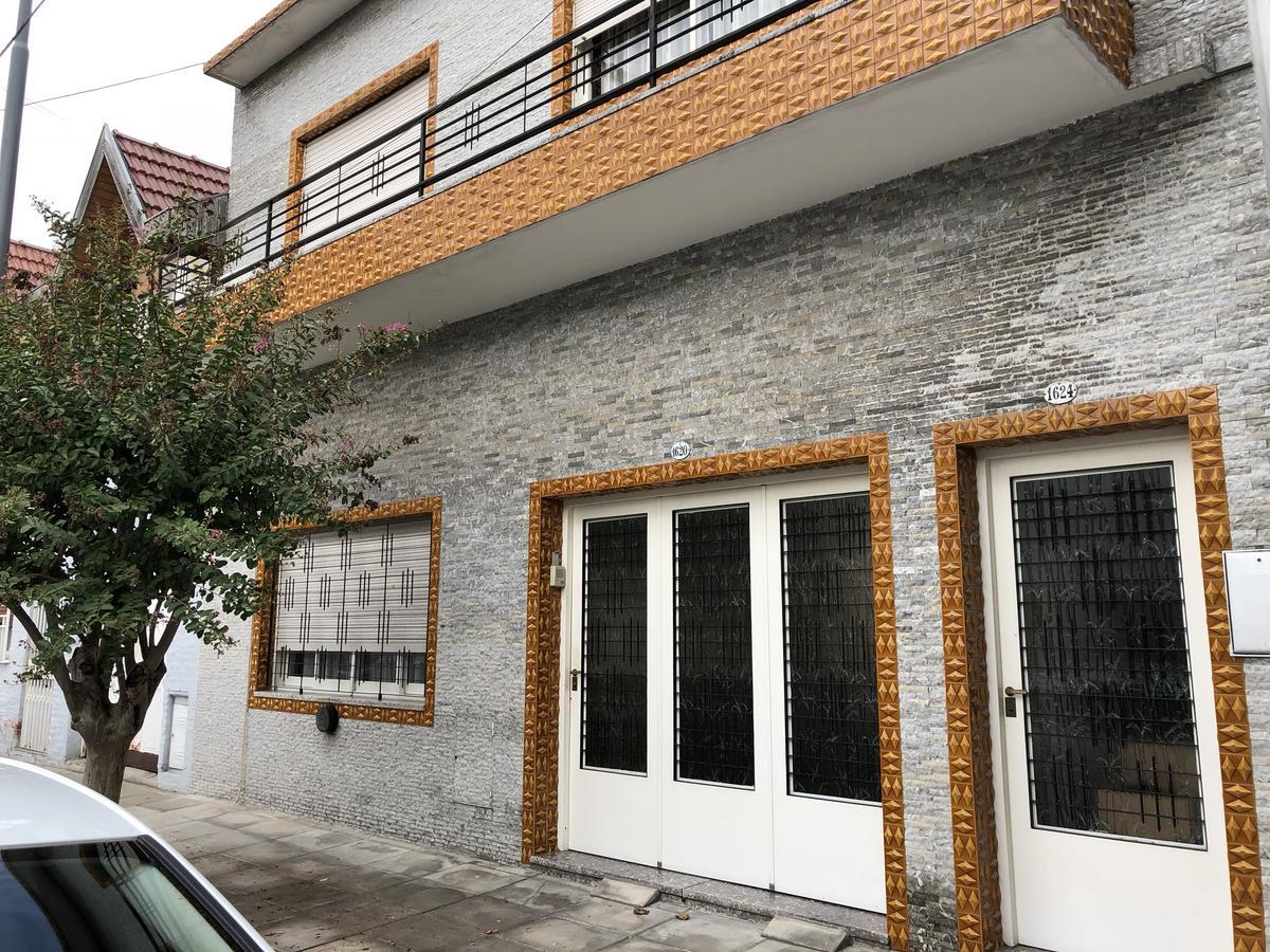Foto Casa en Venta en  Villa Devoto ,  Capital Federal  Cura Renqué al 1600