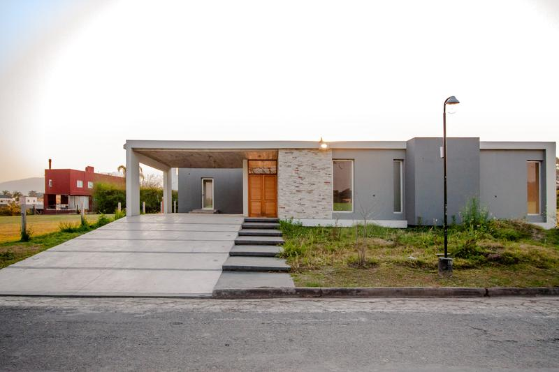 Foto Casa en Venta |  en  Yerba Buena ,  Tucumán  country el Pilar