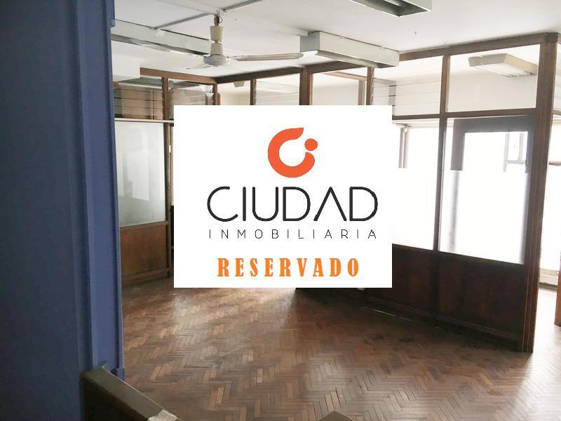Foto Local en Alquiler en  Centro,  Montevideo  LOCAL COMERCIAL sobre importante avenida