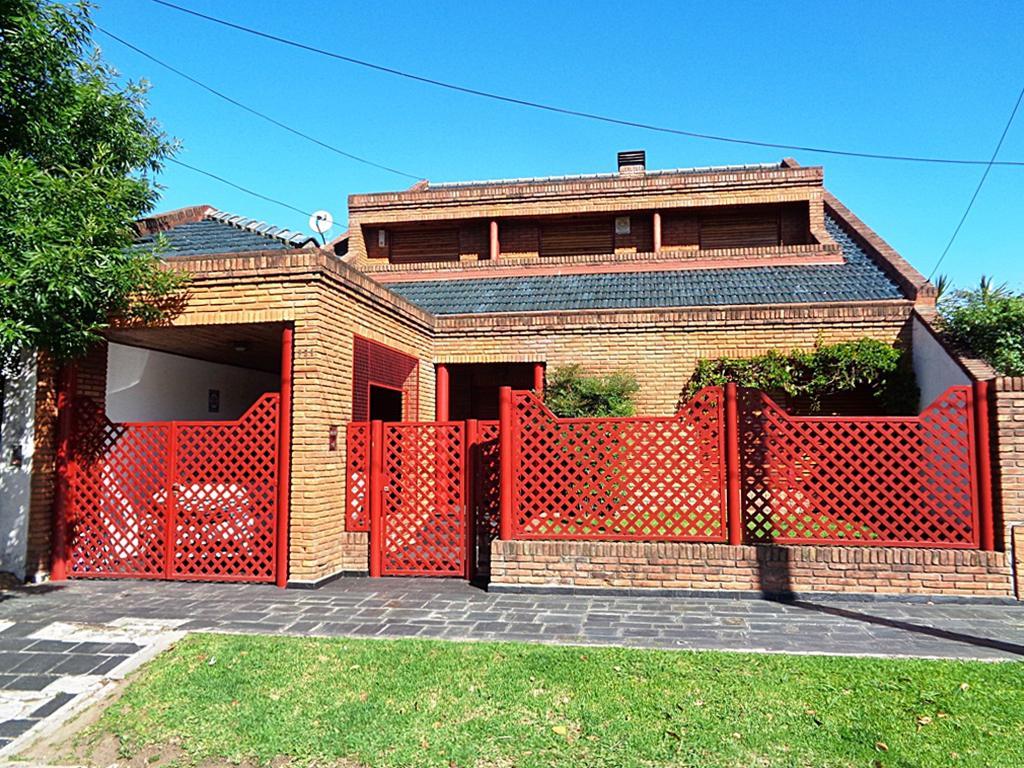 Foto Casa en Venta en  Villa Adelina,  San Isidro  Soldado de Malvinas al 900