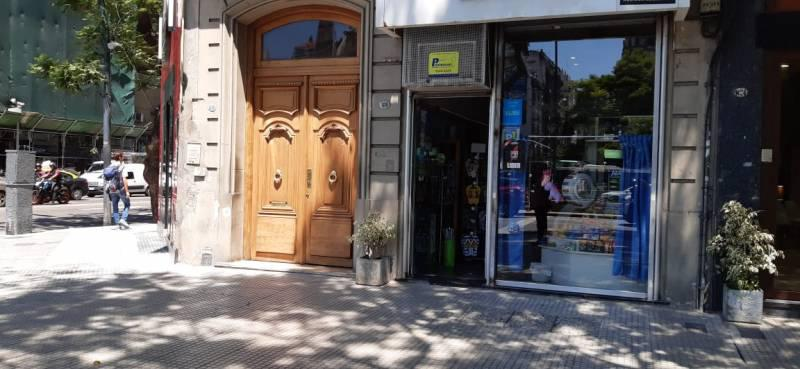 Foto Oficina en Alquiler en  Recoleta ,  Capital Federal  Cerrito al 1100