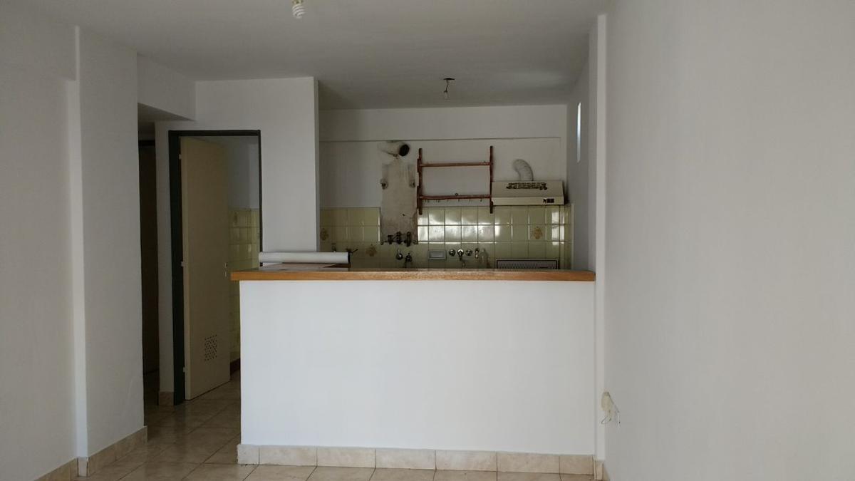 Foto Departamento en Alquiler en  Rosario,  Rosario  1 dormitorio -  1ro de Mayo 1382 06-02