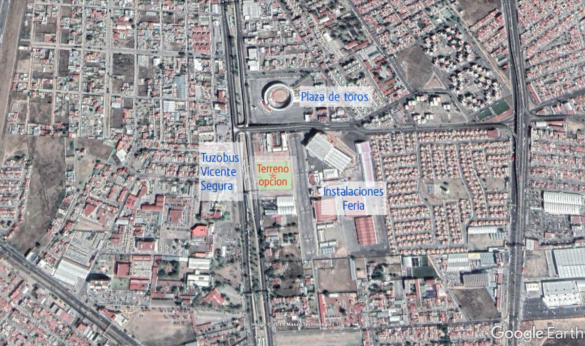 Foto Terreno en Venta en  Colonias,  Pachuca  Terreno comercial en Pachuca  Blvd. Felipe Angeles, colonia Las Colonias.