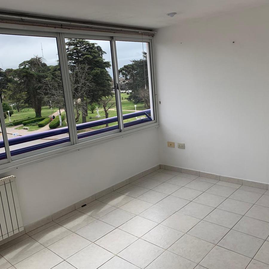 Foto Departamento en Alquiler en  Balcarce ,  Interior Buenos Aires  Av. Kelly Nº al 600
