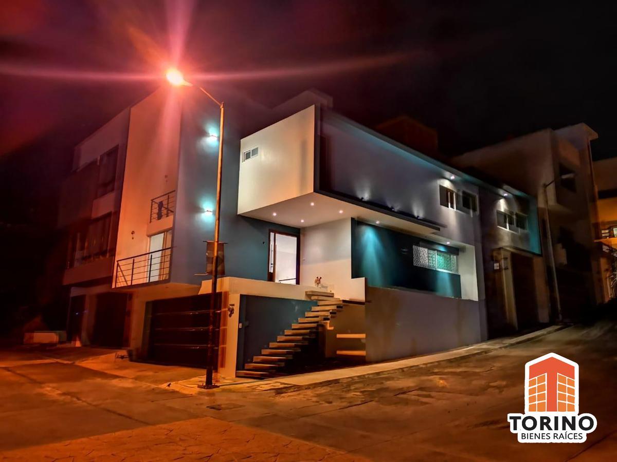 Foto Casa en Venta en  Xalapa ,  Veracruz  HERMOSA CASA EN ESQUINA EN FRACCIONAMIENTO VERGEL