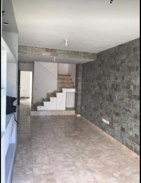 Foto Casa en Venta en  Chateau Carreras,  Cordoba  Santa Rosa 6000  Bº Lomas del Chateau