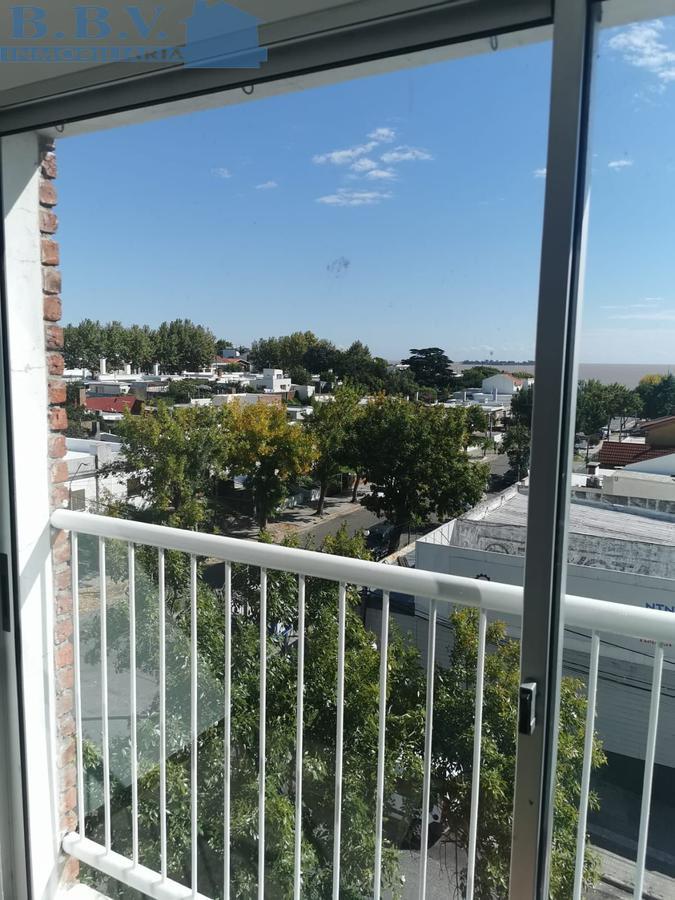 Foto Apartamento en Alquiler en  Colonia del Sacramento ,  Colonia  Apartamento de 3 Dorm. a 1 cuadra de la Rambla
