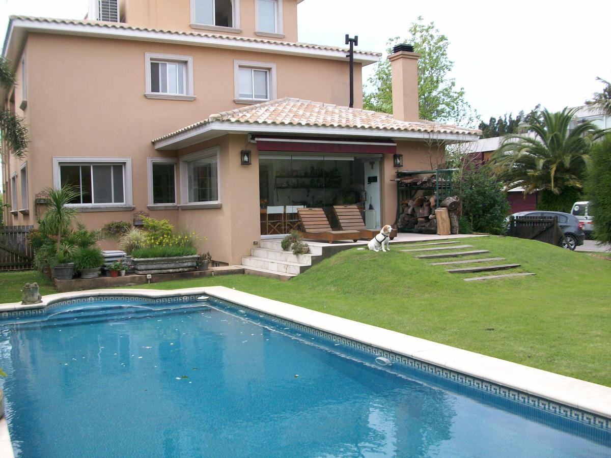Casa en Venta en Marina Canestrari de 10 ambientes