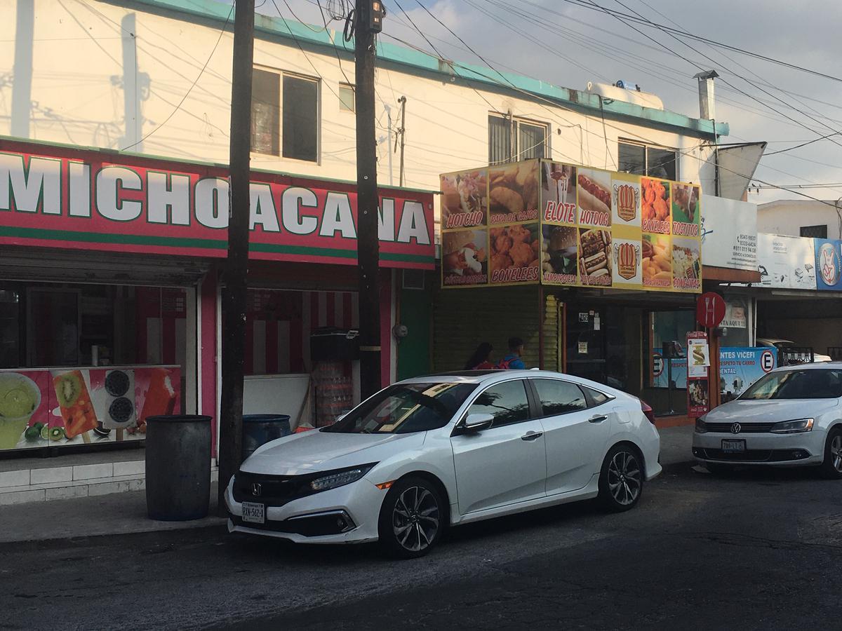 Foto Local en Renta en  Mitras Centro,  Monterrey          Local Comercial en Renta Col Mitras Centro Monterrey NL