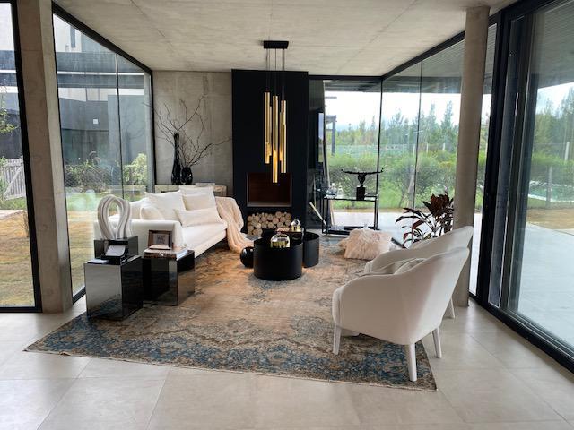 Foto Casa en Venta en  Los Castaños,  Nordelta  Casa de distinguido diseño de Hormigón Visto en Castaños. ACEPTA LOTE EN NORDELTA.. 1