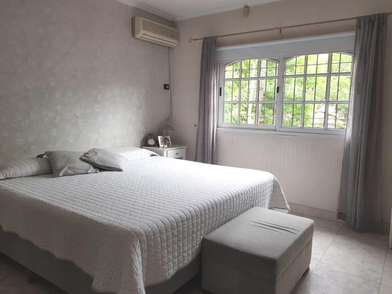 Foto Casa en Venta en  Monte Grande,  Esteban Echeverria  Venta con renta - Casa en Monte Grande