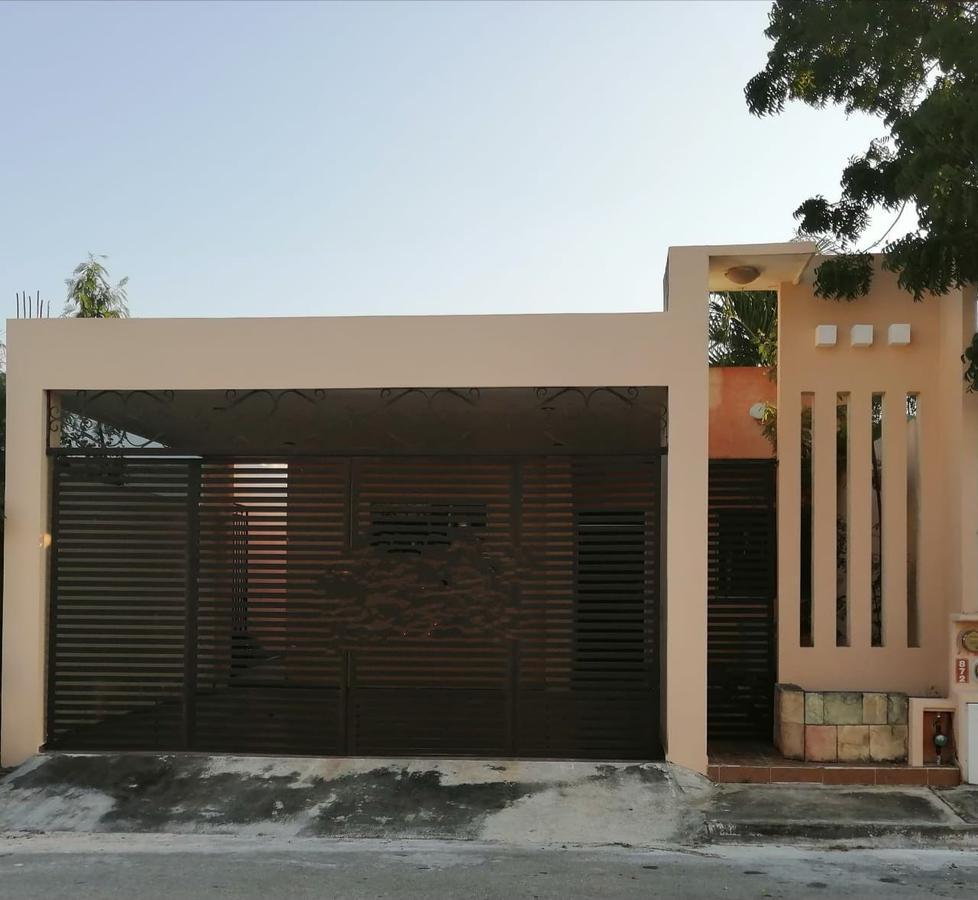Foto Casa en Venta en  Fraccionamiento Las Américas,  Mérida  CASA AMUEBLADA EN LAS AMERICAS