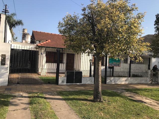 Foto Casa en Venta en  Llavallol,  Lomas De Zamora  Arribeños 277