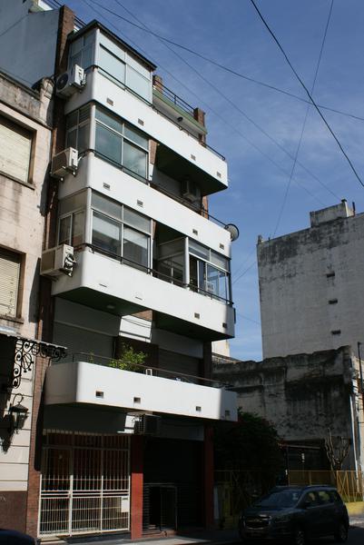 Foto Departamento en Venta | Alquiler temporario en  San Telmo ,  Capital Federal  Chacabuco al 900