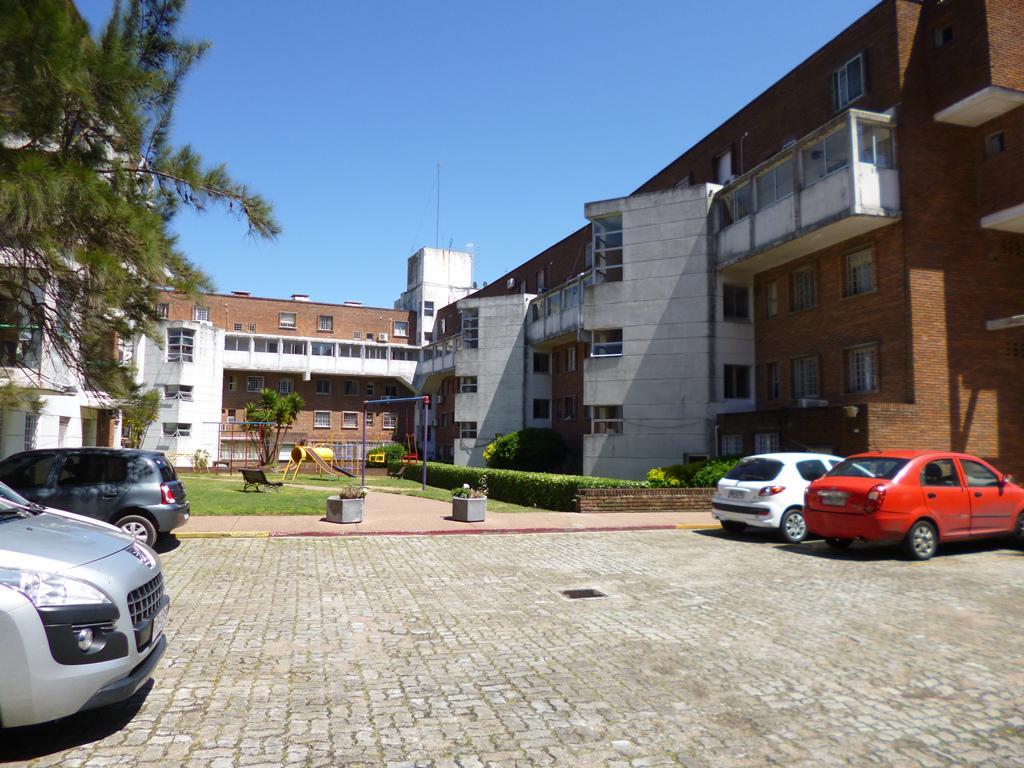 Foto Apartamento en Alquiler en  Buceo ,  Montevideo  Blvar. José Batlle y Ordóñez y Rambla