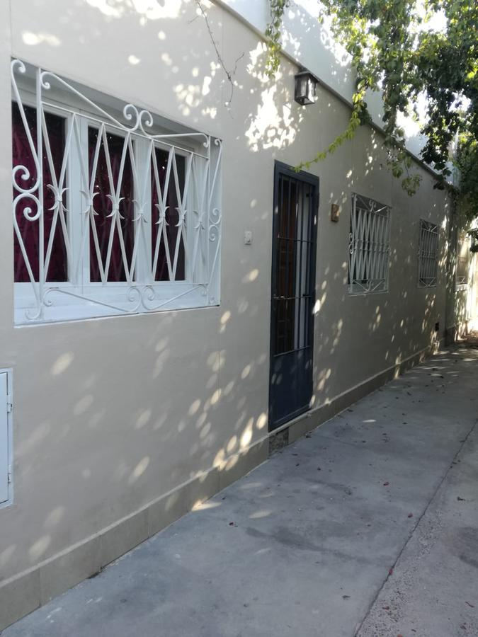 Foto Casa en Alquiler en  Capital ,  San Juan  Sarmiento al 400