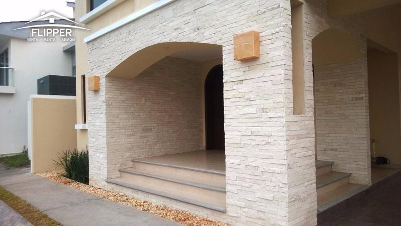 Foto Casa en Venta en  Fraccionamiento El Sendero Residencial,  Alvarado          CASA EN RESIDENCIAL EL SENDERO